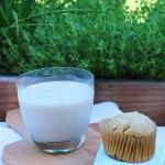 Tasting Good Naturally : Que diriez-vous d'un bon verre de lait végétal amande noix de cajou avec un bon muffin au citron pour le goûter ? #vegan