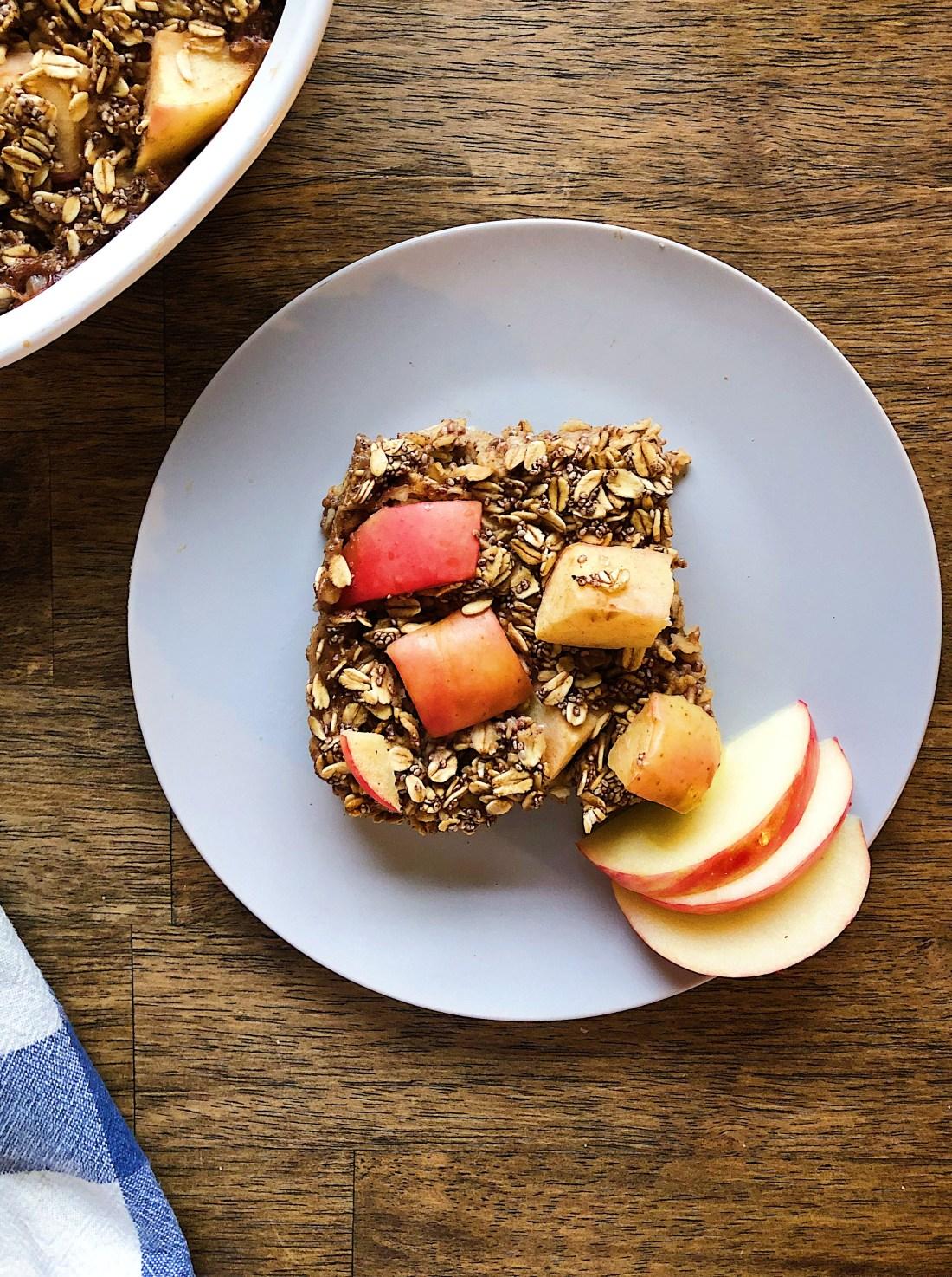 Vegan Apple Cinnamon Baked Oatmeal