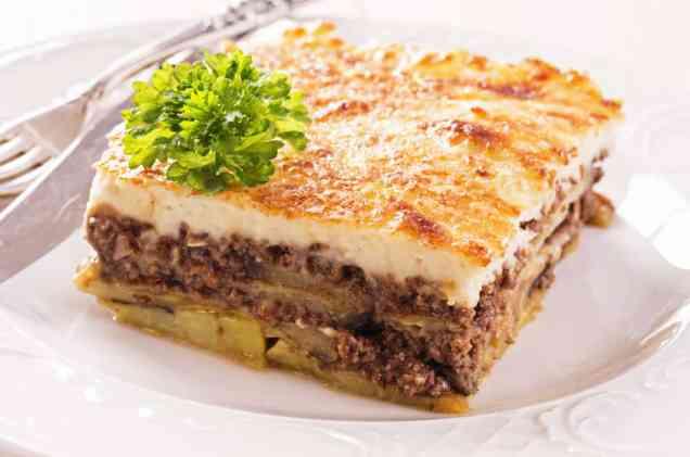 Μουσακάς με πατάτες και μελιτζάνες συνταγή