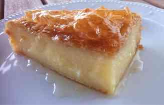 Συνταγή για παραδοσιακό γαλακτομπούρεκο με σιμιγδάλι