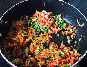 IMG_9384-300x232 Indian Panzanella salad/Bread upma