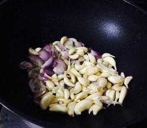 IMG_9537-300x261 Garlic Curry/Poondu Kolambu