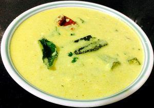 IMG_9681-300x211 Okra in Yogurt Gravy/ Tamilnadu More Kozhambu/ Bhindi dahi sabzi