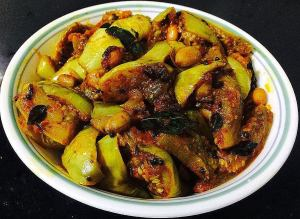 IMG_9729-300x219 Eggplant (Brinjal) Peanut Curry