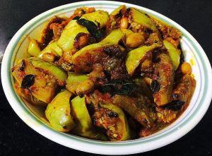 IMG_9931-300x221 Eggplant (Brinjal) Peanut Curry