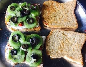 IMG_0491-300x232 Kiwi Sandwich