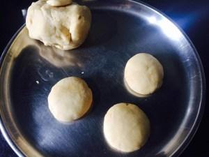 IMG_1197-300x225 Poori with Aamras / Poori with Mango Pulp