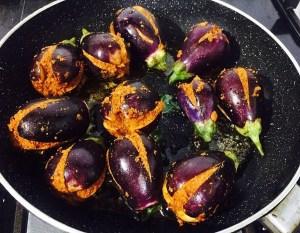 IMG_1729-300x233 Stuffed Dry Small Eggplant/Baingan Bharke/Ennai Kathirikai