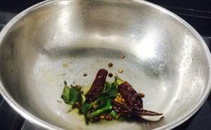 IMG_3506-300x186 Shallot Sambar/Chinna Vengaya Sambar/Small Onion Sambar