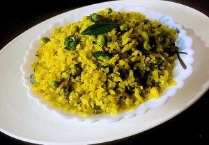 HYJV1744-300x209 Hariyali Poha (Flattened Rice with Cilantro Chutney)