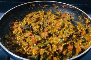 IMG_8440-300x197 Okra Tomato Curry/Vendaikkai Pachadi (Nellai Style)
