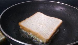 XZTR8233-300x172 Rava Toast/Semolina Toast