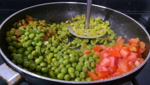 FRMF0109-300x171 Cottage Cheese and Green Peas in Spinach Gravy/Matar Paneer Hara Masala