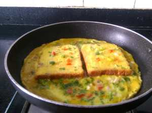 JWKI3098-300x223 Bread and Omelette with a Twist