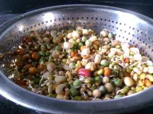 IYQL4441-300x223 Misal Pav (a popular street food from Mumbai)