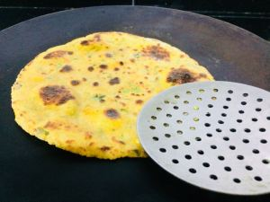 UIKX2430-300x225 Flat Bread with Indian Cheese/Simple Paneer Paratha