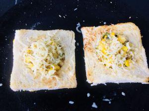 BIUN4844-300x225 Cheesy Corn Diskette Sandwich