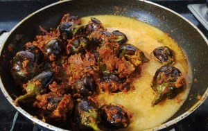 DQDY2399-300x189 Stuffed Andhra Style Brinjal (Eggplant) Curry/ Gutti Vankaya Kura