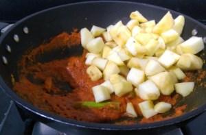 IFUC5475-300x197 Apple Curry in Tomato gravy