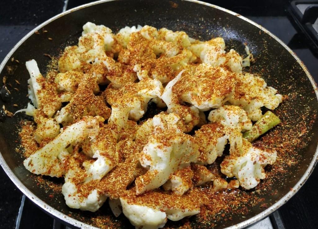 PHNG8818-1024x740 Easy and Yummy Dry Cauliflower Stir fry