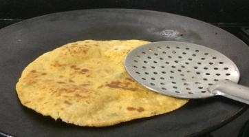 QFUS3435-300x165 Roti with left over rice