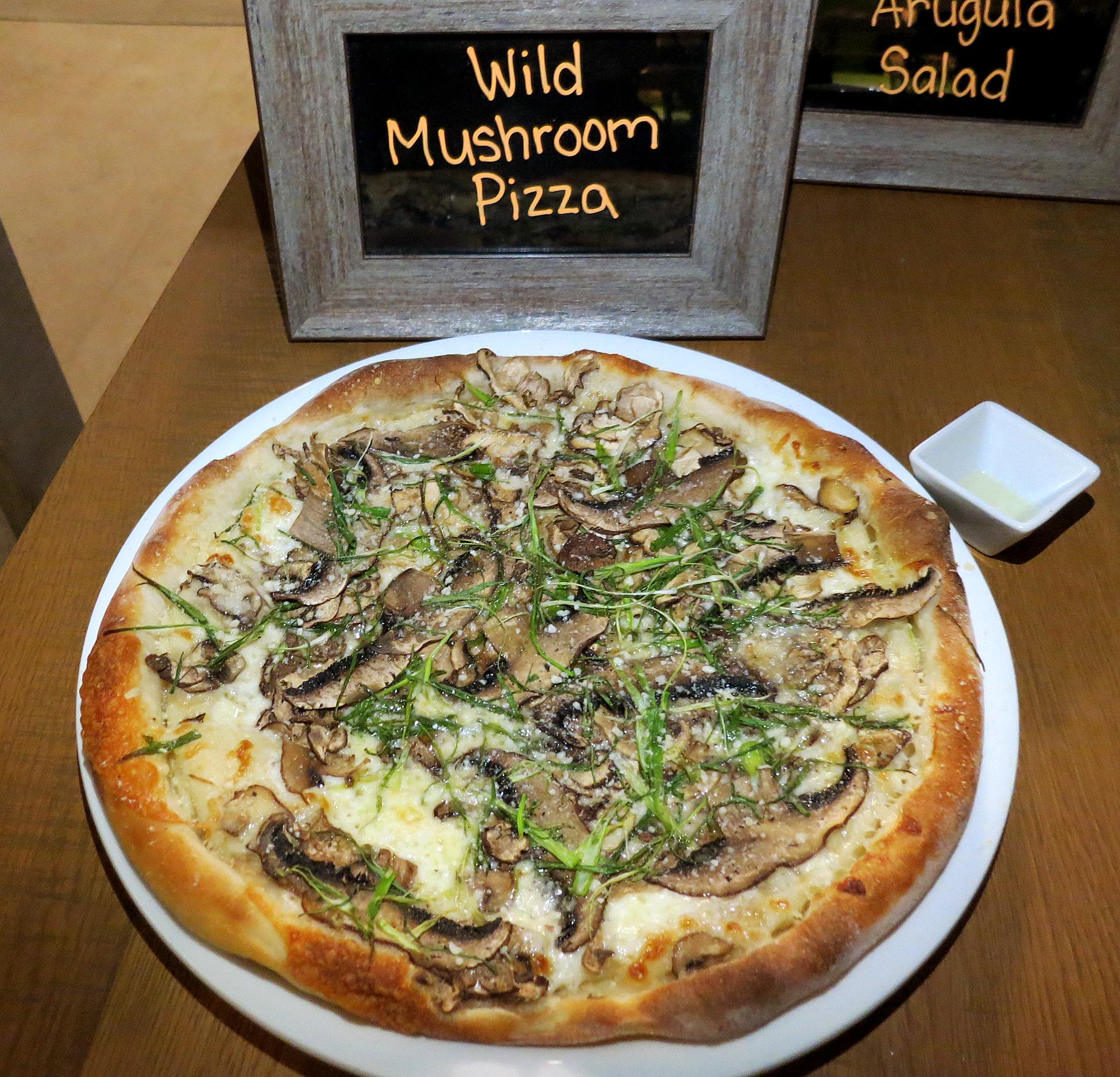 California Pizza Kitchen Ka Makana Ali'i Kapolei Preview