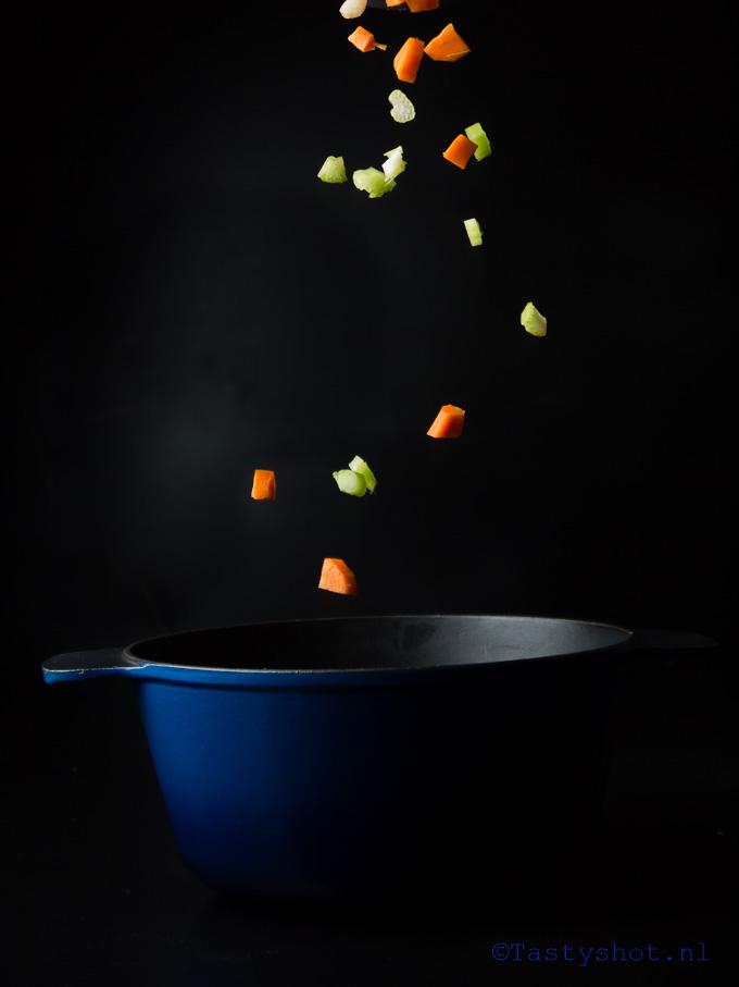 Linzensoep recept/ lentil soup recipe. Photography: © Gitta Polak www.tastyshot.nl