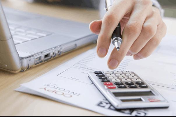 mengatur keuangan untuk pengeluaran harian keluarga