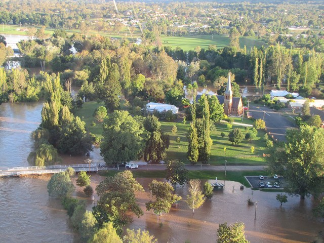 Tumut during the 2012 flood