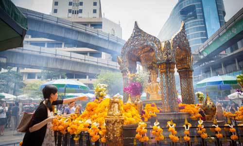 Eat, shop, love, pray at Bangkok's Ratchaprasong