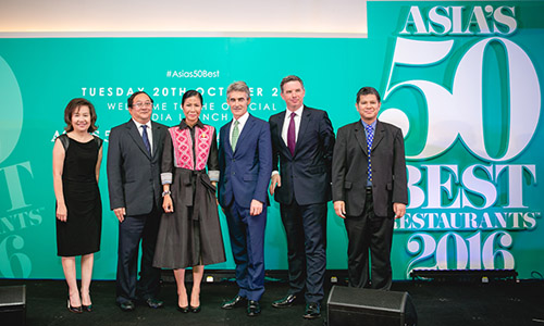 In photo (from left to right): Mrs. Juthaporn Rerngsonasa, TAT's Deputy Governor for International Marketing (Europe, Africa, Middle East and Americas), Mr. Sugree Sithivanich, TAT's Deputy Governor for Marketing Communications, H.E. Kobkarn Wattanavrangkul, Minister of Tourism and Sports, Mr. Charles Reed, Group Managing Director of William Reed Media Group, Mr. William Drew, Group Editor of Asia's 50 Best Restaurants, and Mr. Chattan Kunjara Na Ayudhya, TAT Executive Director of the Advertising and Public Relations Department.