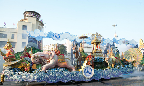 Songkran Splendours parade in Bangkok kicks off 2016 Thai New Year celebrations