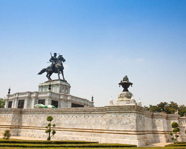 The monument of King Naresuan the Great