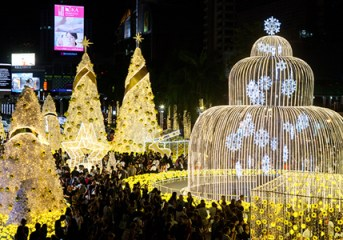 Central Bangkok lights up for the holiday season while honouring King Bhumibol