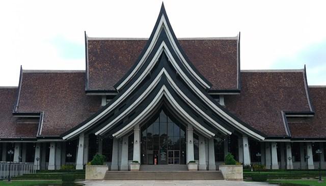 Bang Sai Royal Folk Arts and Crafts Centre in Ayutthaya