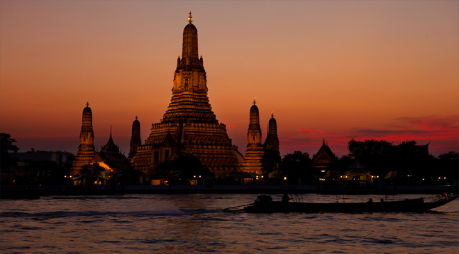 Historic renovation of Wat Arun's famed pagoda completed