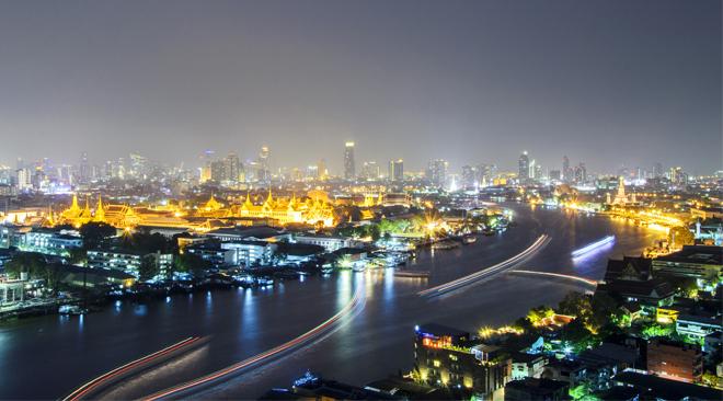 Bangkok - Chao Phraya River at night