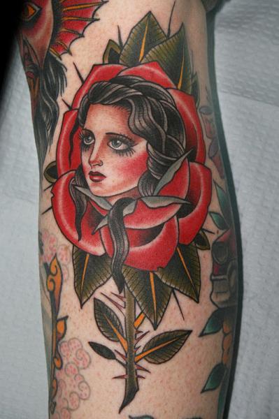 Arm Old School Blumen Frau Tattoo Von California Electric
