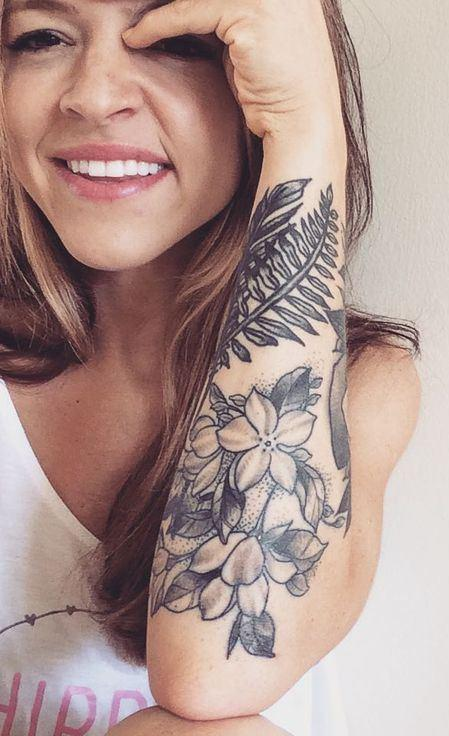 One more nice variant for girls, but this time - a lower half sleeve