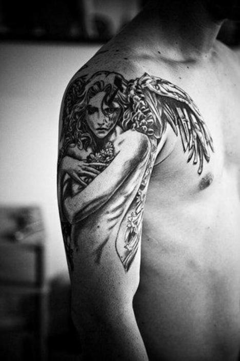 An exquisite angel tattoo: men often prever female angels to protect them