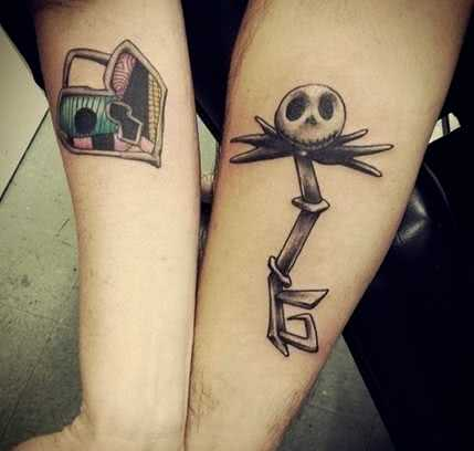 Tattoo Comic Tattoo Gruselschlüssel mit Schloss
