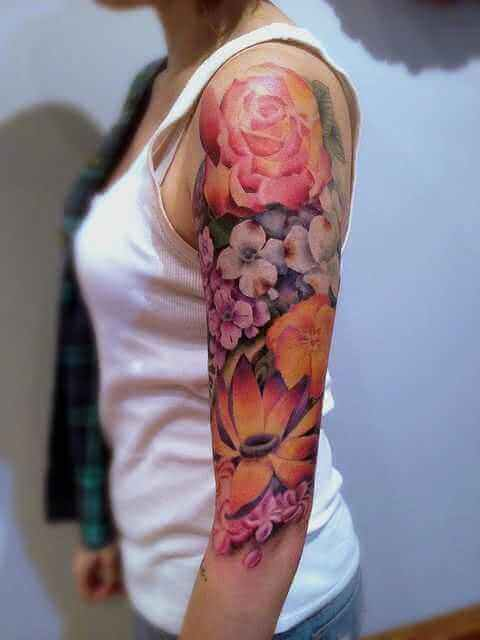 Tattoo Obearm-Tattoo bunte Blumen
