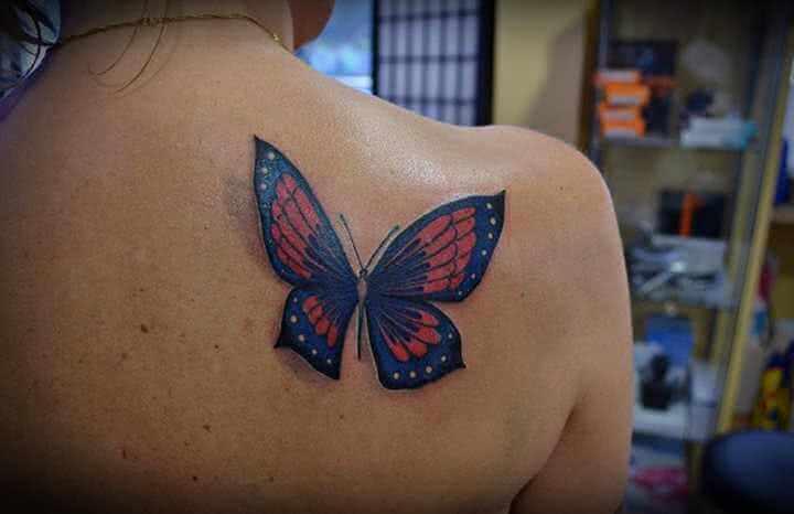 Tattoo Schulter Tattoo bunter Schmetterling