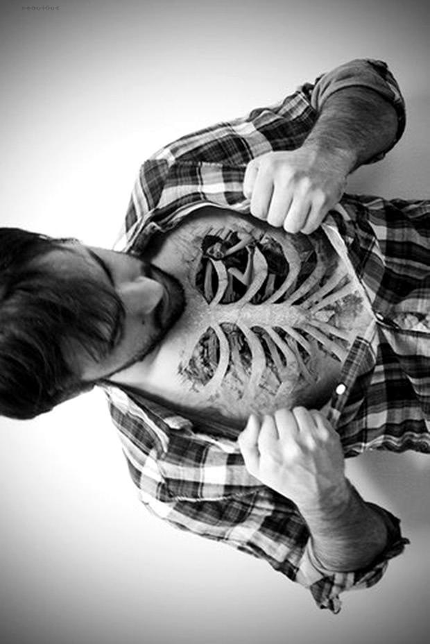 Tattoo 3D Knochen Oberkörper