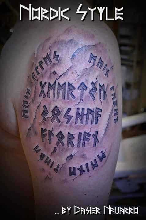 Tattoo 3D Runen eingestanzt