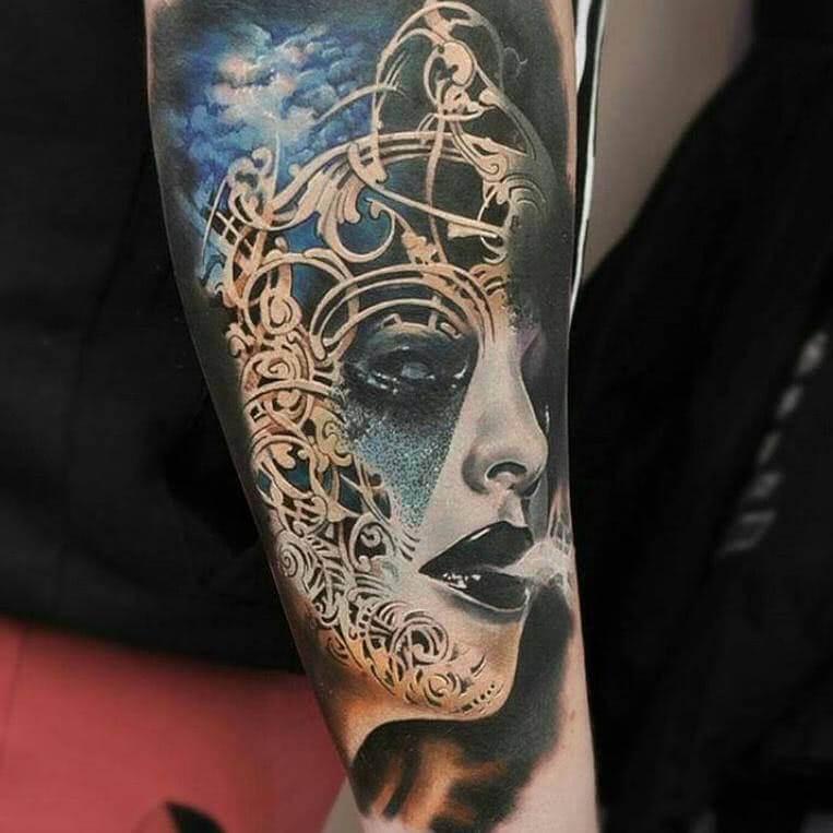 Tattoo Düsteres Gesicht einer Frau