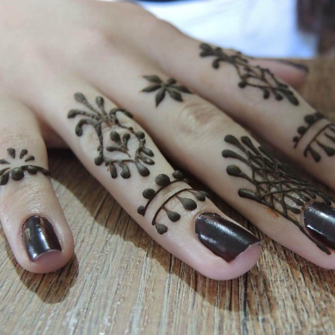 Tattoo Henna am Finger