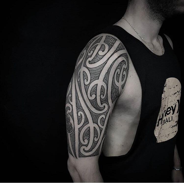 Tattoo Oberarm Ta Moko