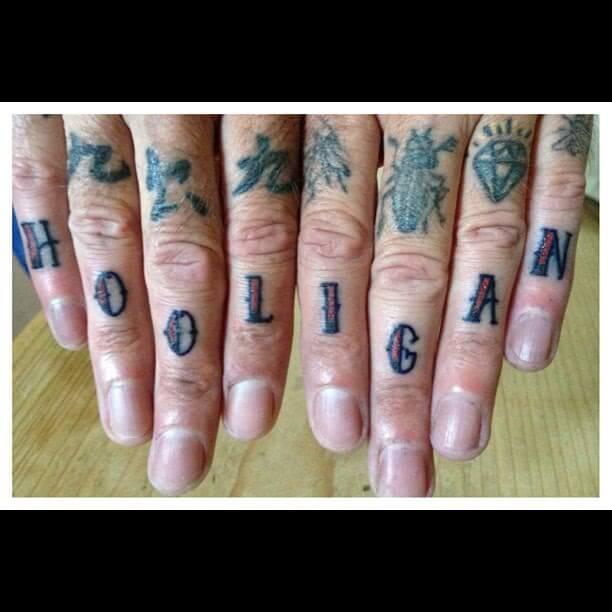 Tattoo Oldschool Hooligan Finger