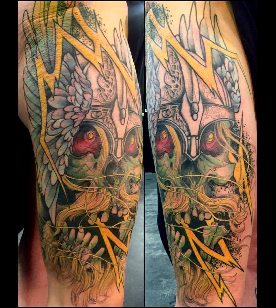Tattoo Zombie Wikinger Totenkopf